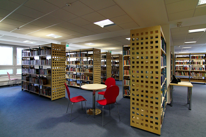 knihovna-pro-dospele-01